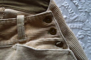 breeches pocket detail