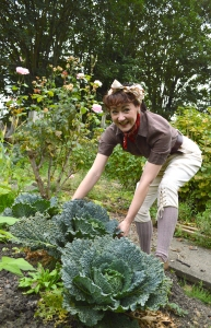 land girl cabbage 2