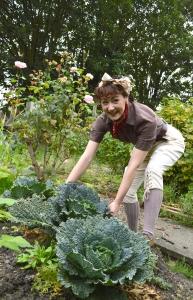 land girl cabbage 2