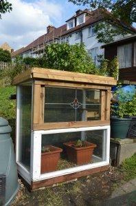 mini greenhouse lo