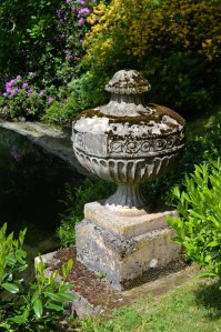 low Stourhead urn_Sandra Lawrence