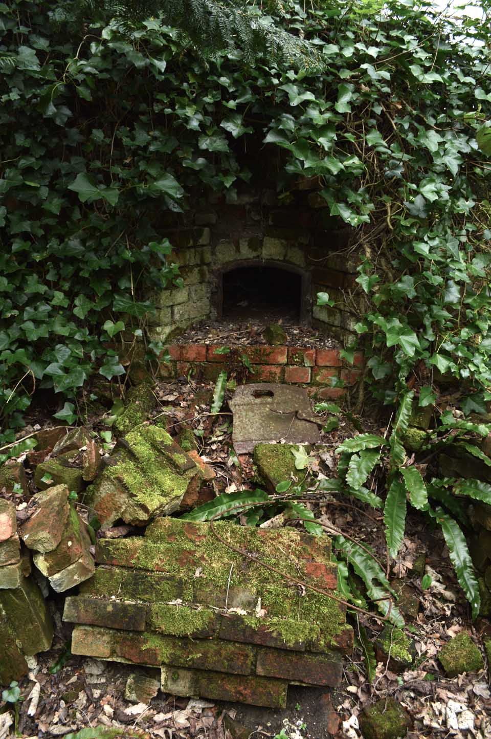 low Warley Place Bread oven_Sandra Lawrence